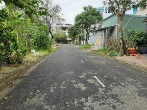 Đường trước đất